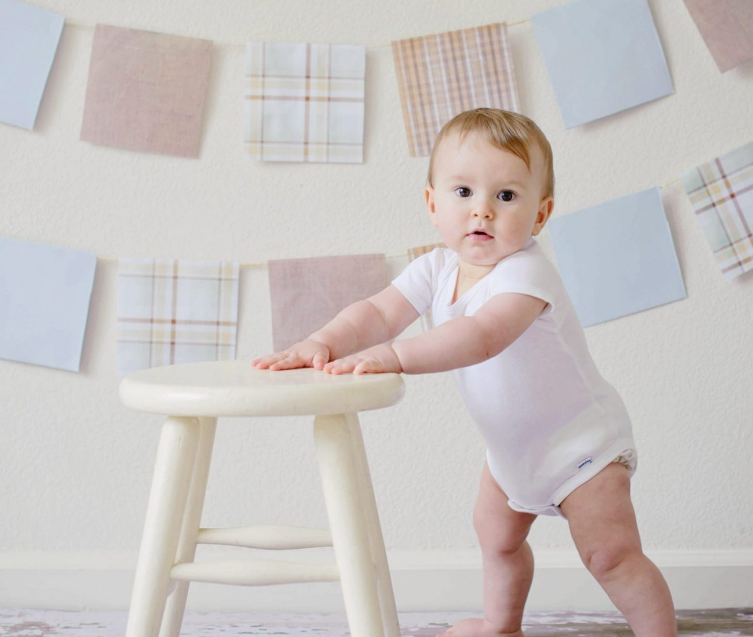adorable-baby-blur-chair-459976